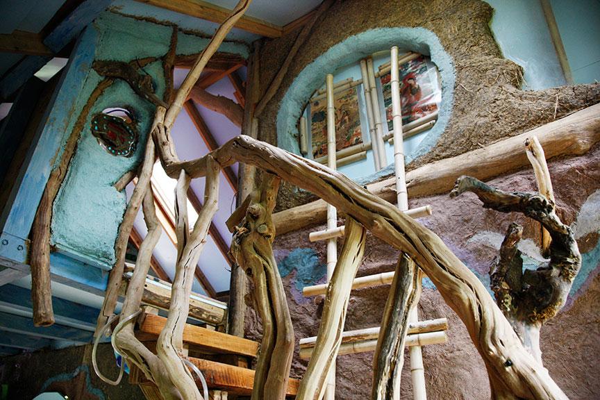 Sea World stairs/balcony