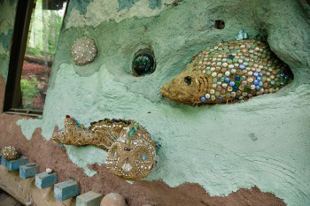 Cob and tile detaill - Sea World exterior