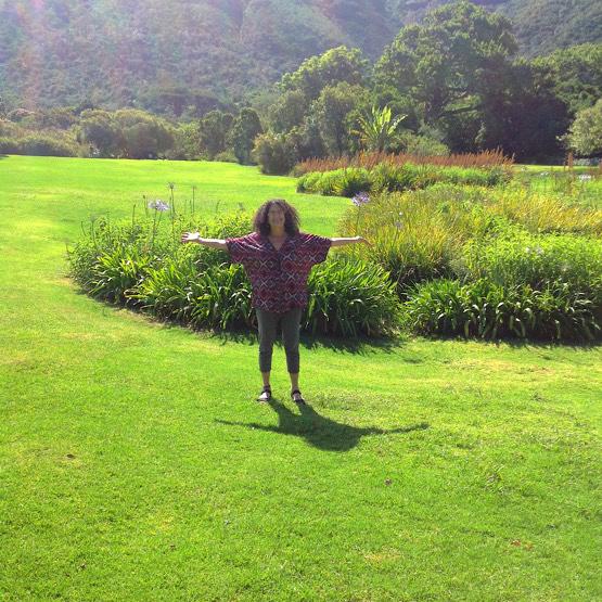joy-arrives-botanical-garden