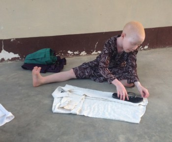 tales9-melba-ironing